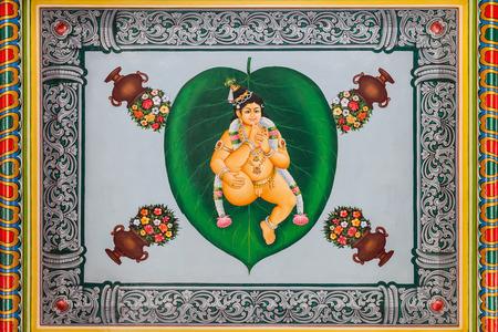 mariamman: SINGAPORE - OCTOBER 16, 2014: The Sri Mariamman Temple is Singapores oldest Hindu temple.