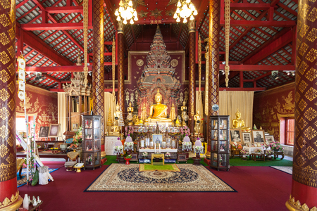 mai: CHIANG MAI, THAILAND - OCTOBER 29, 2014: Wat Chiang Man interior. It is a Buddhist temple inside the old city of Chiang Mai, Thailand. Editorial