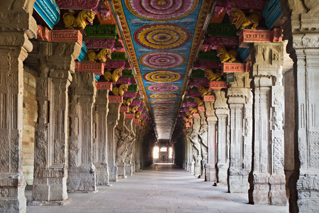 monument in india: Inside of Meenakshi hindu temple in Madurai, Tamil Nadu, South India