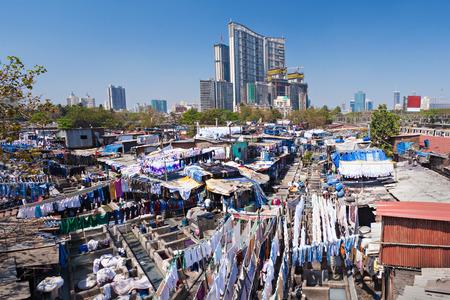 Dhobi Ghat to znana pralnia na wolnym powietrzu w Mumbaju w Indiach Zdjęcie Seryjne