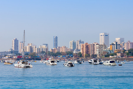 Vue sur la skyline Mumbai Marine Drive à Mumbai, Inde Banque d'images - 53390667