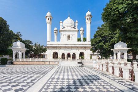 carnero: Ram Rai Darbar (Darbar Shri Guru Ram Rai Ji Maharaj) es un gurdwara sij situado en la ciudad de Dehradun, India