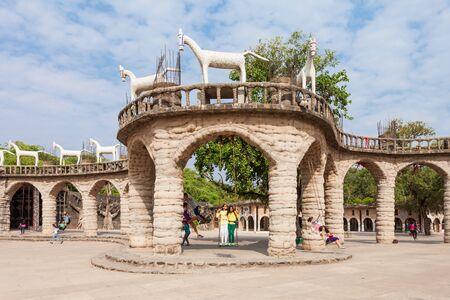 garden waste: CHANDIGARH, INDIA - NOVEMBER 04, 2015: The Rock Garden of Chandigarh is a sculpture garden in Chandigarh, India, also known as Nek Chands Rock Garden. Editorial