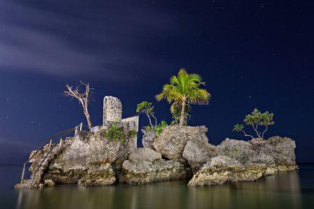 willy: Willys rock, Boracay island, Philippines
