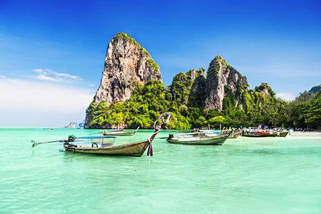 bateaux Longtale à la belle plage, Thaïlande
