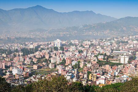 mundo contaminado: Vista panorámica a la ciudad de Katmandú del templo de Swayambhunath