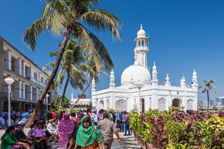 ali: MUMBAI, INDIA - FEBRUARY 27: Unidentified people at Haji Ali Dargah on February, 27, 2014, Mumbai, India