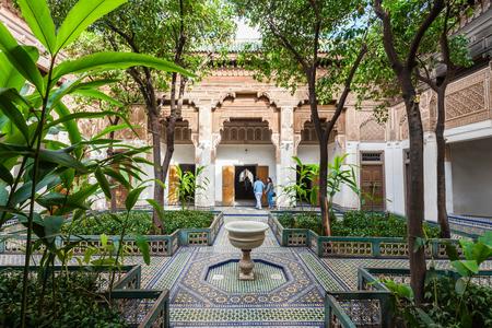 Marrakesh, 모로코 -2 월 22 일, 2016 : Marrakesh 바이아 궁전은 궁전 및 정원 Marrakesh, 모로코에있는 집합입니다.