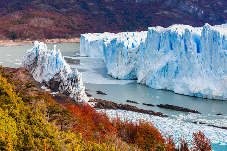 The Perito Moreno Glacier is a glacier located in the Los Glaciares National Park in Santa Cruz Province, Argentina. Its one of the most important tourist attractions in the Argentinian Patagonia. Standard-Bild