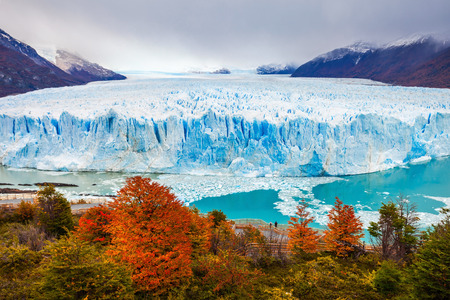 The Perito Moreno Glacier is a glacier located in the Los Glaciares National Park in Santa Cruz Province, Argentina. Its one of the most important tourist attractions in the Argentinian Patagonia. Stockfoto