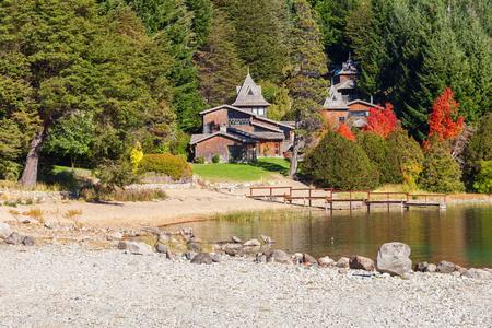 mount tronador: Beauty houses on Nahuel Huapi Lake near Bariloche, Patagonia region in Argentina.