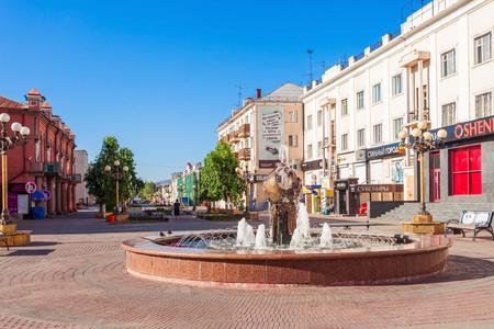 lenina: ULAN-UDE, RUSSIA - JULY 14, 2016: Ulitsa Lenina is a pedestrian arbat street in the center of Ulan-Ude city, Republic of Buryatia, Russia. Editorial
