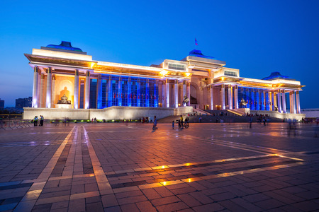 The Government Palace at night. Its located on the north side of Chinggis Square or Sukhbaatar Square in Ulaanbaatar, the capital city of Mongolia. 版權商用圖片