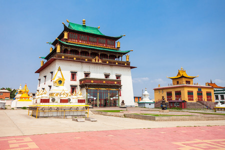 The Gandantegchinlen or Gandan Monastery is a Chinese style Tibetan Buddhist monastery in the Mongolian capital of Ulaanbaatar Standard-Bild