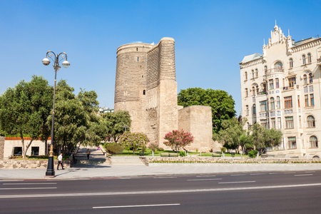 Ga Z Galasa Or Medieval Maiden Tower With Blooming Tree In The Foreground Old Town Baku Azerbaijan Lizenzfreie Fotos Bilder Und Stock Fotografie Image 118232610