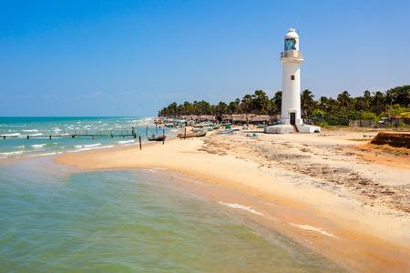 Phare de Talaimannar. Talaimannar est situé sur la côte nord-ouest de l'île de Mannar et à environ 18 miles de la ville indienne de Dhanushkodi. Banque d'images