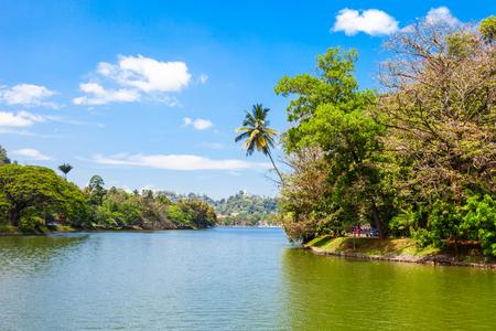 kandy: Kandy Lake in Kandy city, Sri Lanka