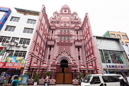 콜롬보, 스리랑카 -2 월 28 일 2017 : Jami Ul- 알 파 모스크 또는 레드 성원 모스크 콜롬보, 스리랑카의 수도에서 역사적인 모스크입니다