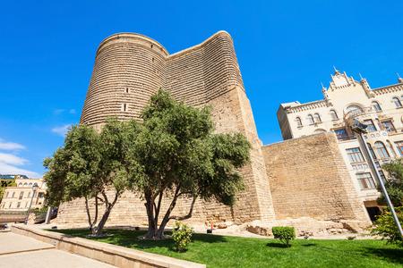 Bild Fur Nizami Museum Of Aserbaidschanisch Wurde Im Jahr 1939 In Baku Gegrundet Es Liegt Im Zentrum Der Hauptstadt Von Aserbaidschan Nicht Weit Von Der Brunnen Platz Und Nahe Dem Eingang Von Icheri