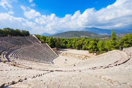 The Epidaurus Ancient Theatre is a theatre in the Greek city of Epidaurus, built on the Cynortion Mountain, near Lygourio, and belongs to the Epidaurus Municipality. Reklamní fotografie - 92401839
