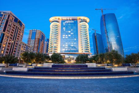 バクー、アゼルバイジャン - 2016 年 9 月 15 日: JW マリオット アプシェロン バクーはバクー、アゼルバイジャンのセンターの豪華な 5 つ星ホテルです