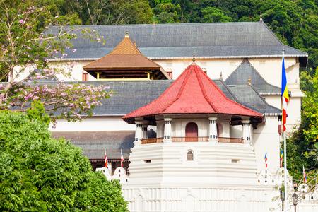 Temple of the Sacred Tooth Relic or Sri Dalada Maligawa in Kandy, Sri Lanka 報道画像