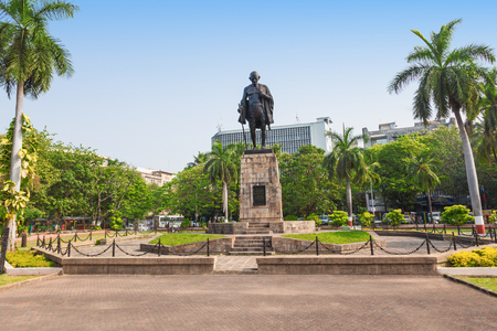 Mahatma Gahdhi statue in the center of Mumbai, India Stock Photo