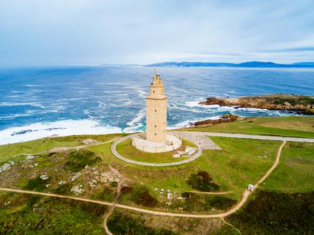 Toren van Hercules of Torre de Hercules is een oude Romeinse vuurtoren in A Coruna in Galicië, Spanje Stockfoto - 99501995