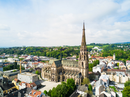 New Cathedral or Cathedral of the Immaculate Conception or St. Mary Church aerial panoramic view. It is a Roman Catholic cathedral located in Linz, Austria. Archivio Fotografico