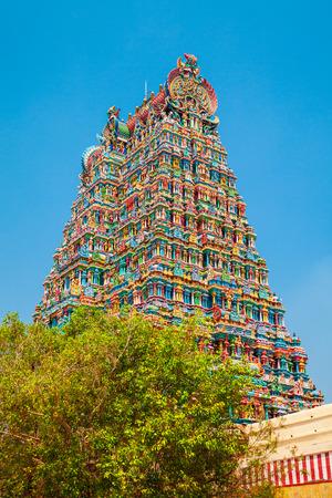 Le temple Meenakshi Amman est un temple hindou historique situé dans la ville de Madurai au Tamil Nadu en Inde