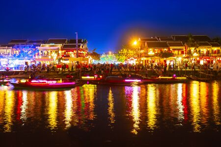 Fishing boats at the riverfront of Hoi An ancient town in Quang Nam Province of Vietnam 版權商用圖片