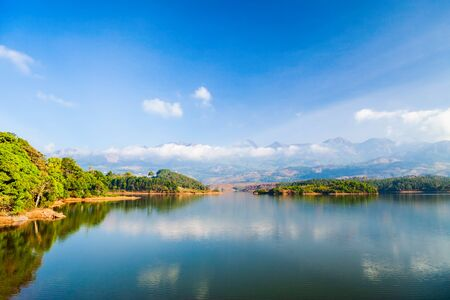 Dam lake near the Munnar town in Kerala state of India Banque d'images - 129568457