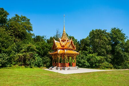 Thai Pavilion or Pavillon Thailandais is a buddhist pagoda temple in Thailand style located in Lausanne city in Switzerland Banque d'images