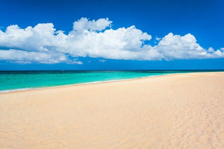Tropical vacation at lonely white sand beach in Boracay island in Philippines Stockfoto