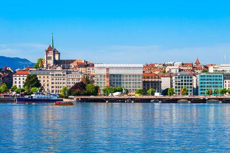 Geneva city panoramic view. Geneva or Geneve is the second most populous city in Switzerland, located on Lake Geneva. Foto de archivo