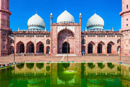 Taj-ul-Masajid or Taj ul Masjid is the largest mosque in India, situated in Bhopal city Reklamní fotografie