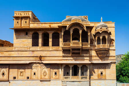 Rajasthan heritage building made of yellow limestone known as haveli in Jaisalmer city in India 版權商用圖片