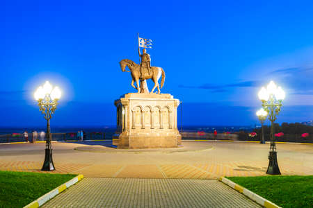 Monument to Grand Prince Vladimir And Saint Fedor in Vladimir city, Golden Ring of Russia at sunset 版權商用圖片