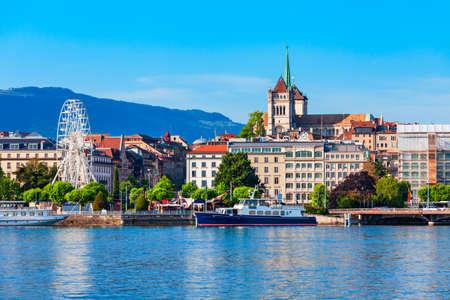 Geneva city panoramic view. Geneva or Geneve is the second most populous city in Switzerland, located on Lake Geneva. Imagens