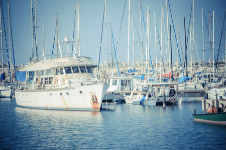 Photo beautiful marina. Ashkelon. israel. clear sky. surface of the sea.