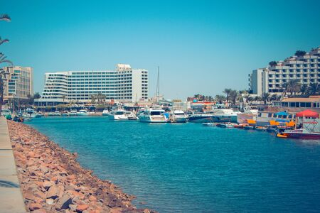 Quay and Eilat with attractions, five-star hotels and vehicles 新聞圖片