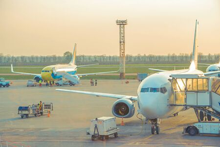 The preparatory process at the airport in Kiev. Date taken: 05.052013 新聞圖片
