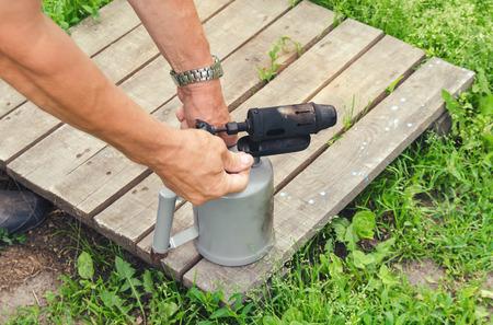 blowtorch: Petrol blowtorch ignition