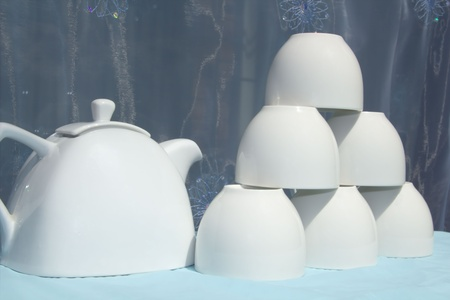 Teapot and cups photo