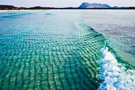sardaigne: Vert et bleu la mer Tyrrh�nienne, pr�s de la plage Cinta, Sardaigne, Italie