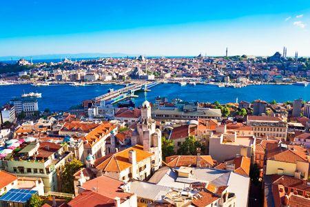 Istanbul. Panoramisch uitzicht vanaf de Galata toren in Golden Horn, Turkije Stockfoto