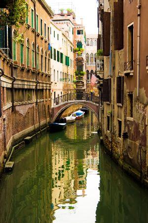 Typische kanaal in Venetië, Italië