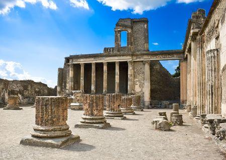Romeinse ruïnes na de uitbarsting van de Vesuvius in Pompeii, Italië