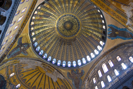 aya: Inside view of Hagia Sophia in Istanbul, Turkey