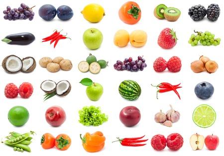 Collectie van verschillende groenten en fruit geïsoleerd op een witte achtergrond